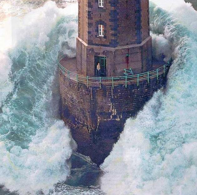 christ-refuge-lighthouse