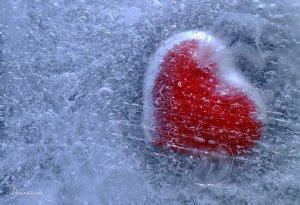 Frozen_Heart_by_Dioxenya
